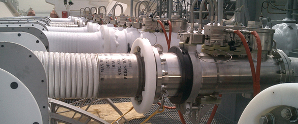 LNG emergency release couplings